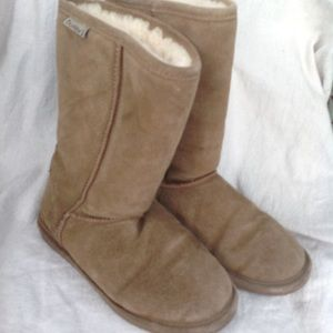 Bearpaw Size 7 Fleece Lined Boots